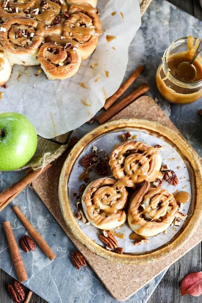 Vegan Caramel Apple Cinnamon Rolls 3482